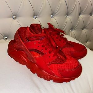 Red Huaraches Size 7Y